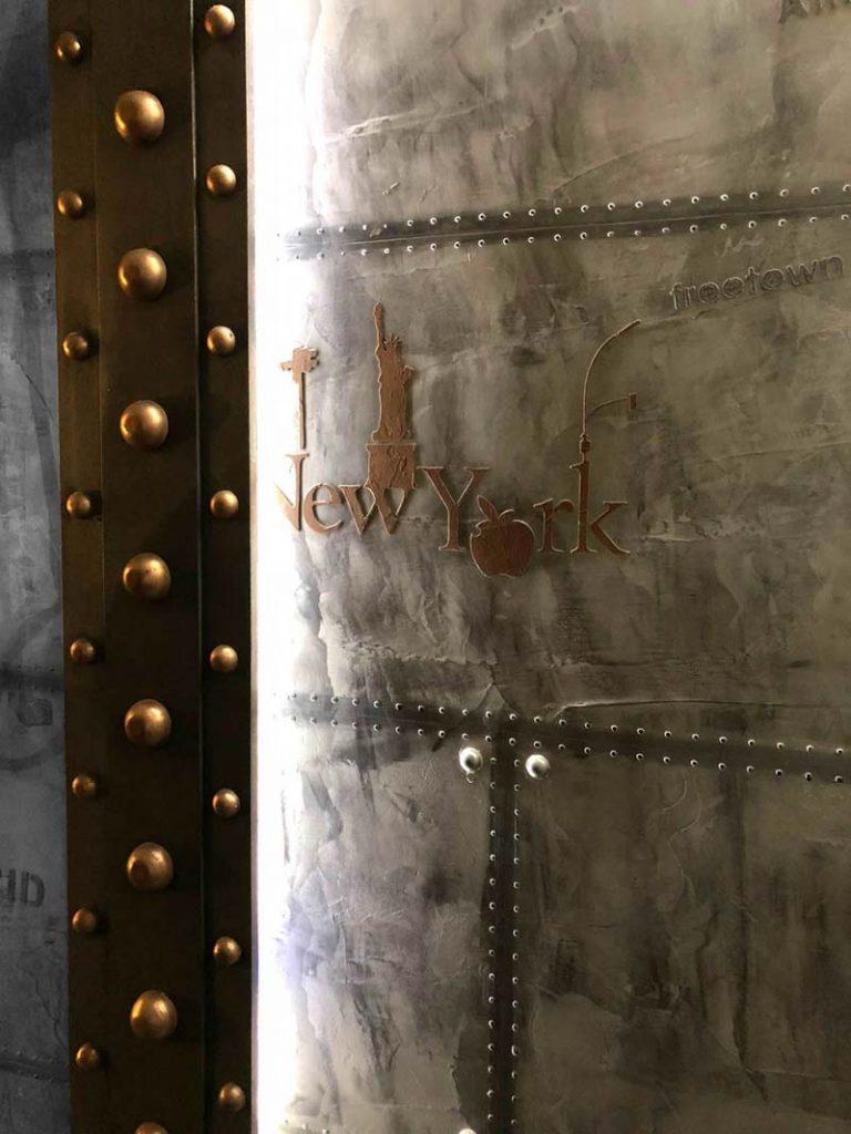 Atelier de décoration pour murs métal style Eiffel