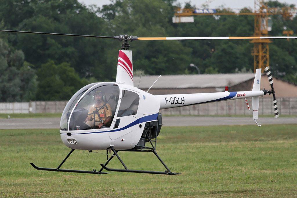 Initiation pilotage hélicoptère spécial enterrement de vie de garçon