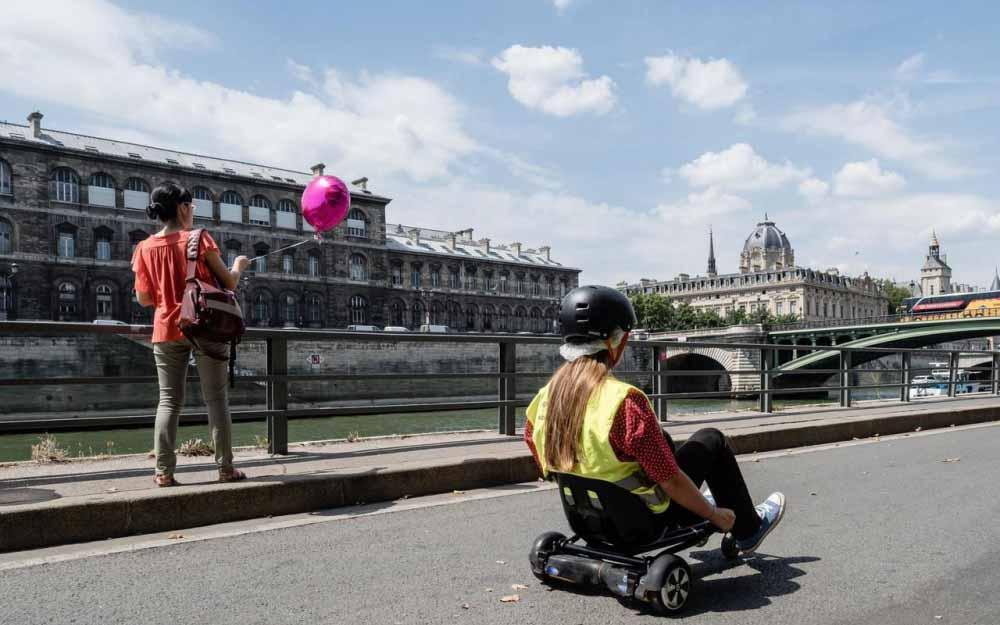 Initiation au Hoverkart enterrement de vie de garçon quais de seine