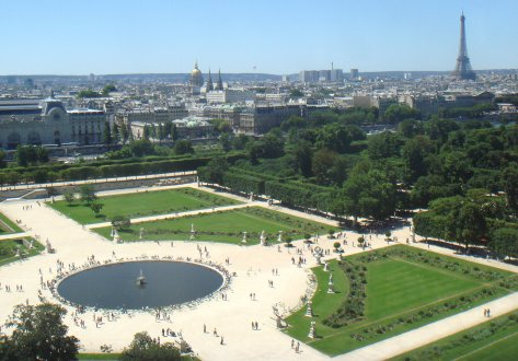 EVG Paris avec une escapade aux tuileries et shooting photos autour du bassin