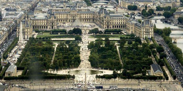 escapade aux tuileries pour un enterrement de vie de garçon au coeur de Paris