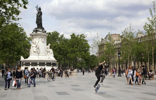 Aventure place de la république et soirée EVG Paris