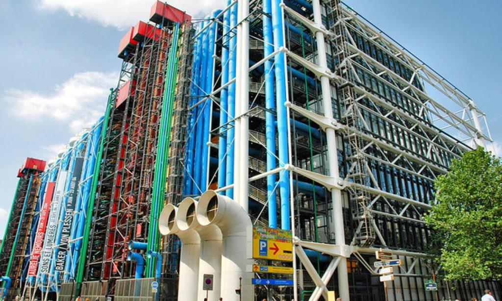 Halte EVG au centre Pompidou pour un enterrement de vie de garçon et pause culturelle.