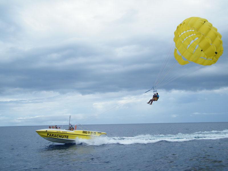 parachute ascensionnel activité EVG adrénaline bord de mer