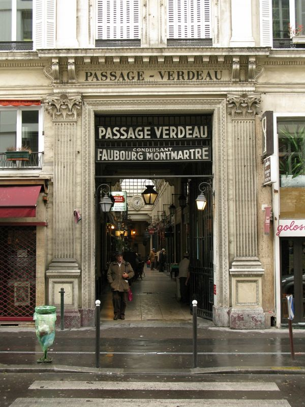 Flânerie sur les Grands Boulevards enterrement de vie de garçon à Paris