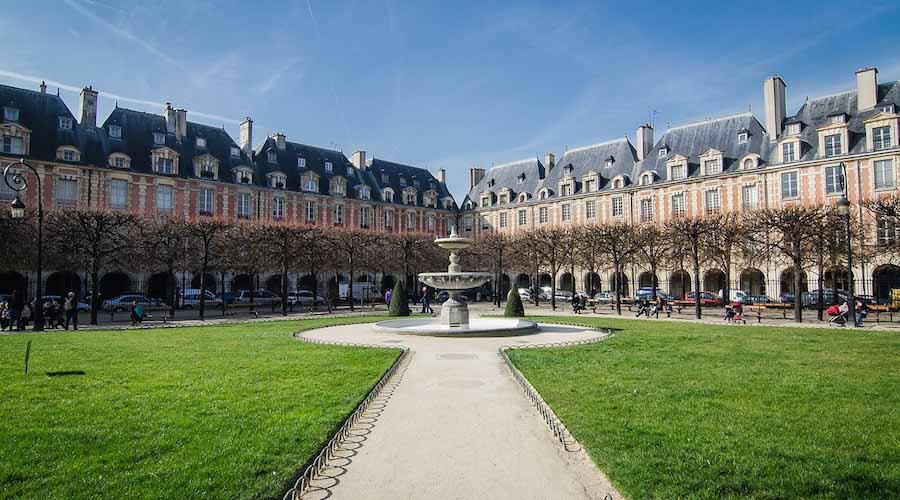 EVG Paris et promenade Place des Vosges